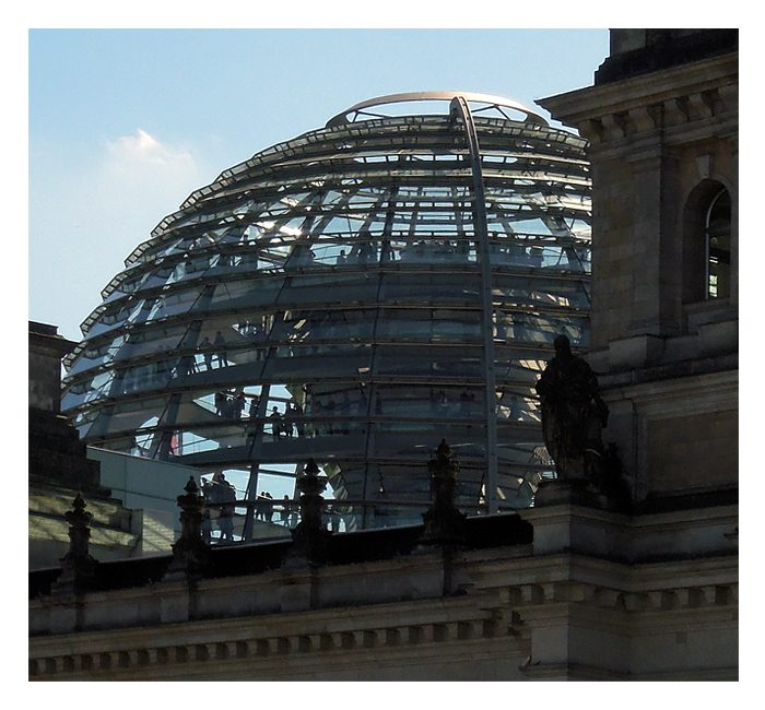 Berlin photo - glass dome of the Reichstag building - photo cult berlin