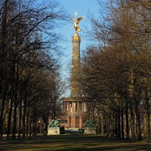 Victory Column in the Tiergarten in March